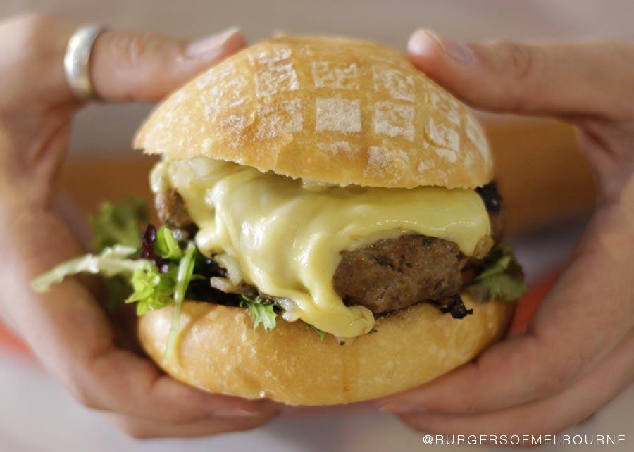 main-burger-dak-dak-hold