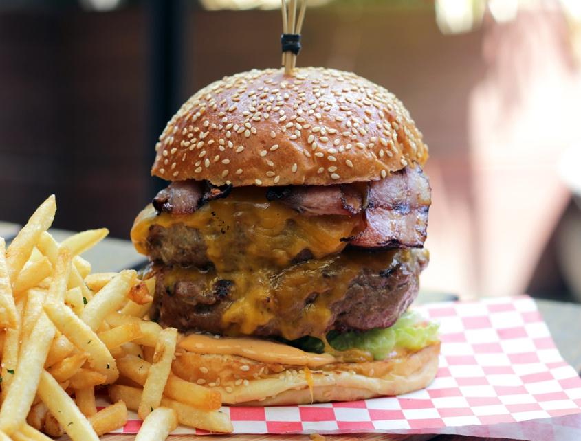 three-crowns-burger