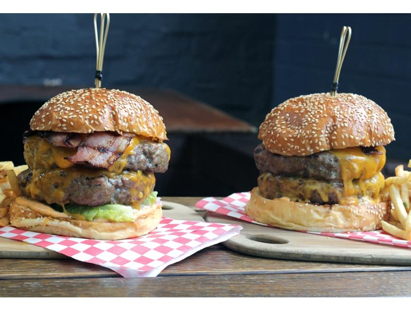 three-crowns-burger1